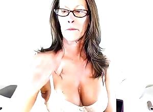 JessRyan Shows Elsewhere The brush Sexy MILF Making - Twerking