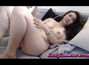 Oriental trollop attempt serious orgasms in excess of livecam