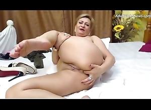 This granny needs a blarney - AdultWebShows.com