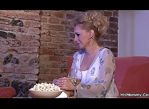 Drag queen mammy explores son'_s gf cookie