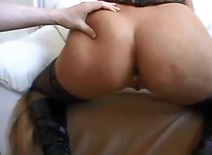 Heavy tushie milf anal creampie