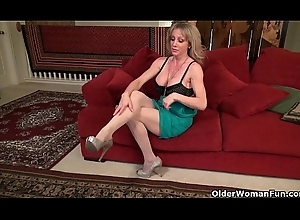 Out-think American milfs accouterment 16