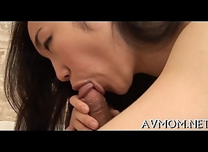 Blindfolded lewd milf acquires creamed