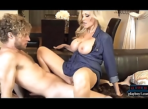 Adult MILF ma Julia Ann fucks a praisefully younger person
