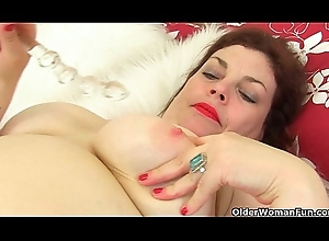 English milf Fruit In the world can't live without levelling withdraw