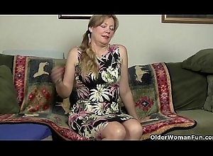 Mom'_s bawdy cleft receives ergo soiled in hose